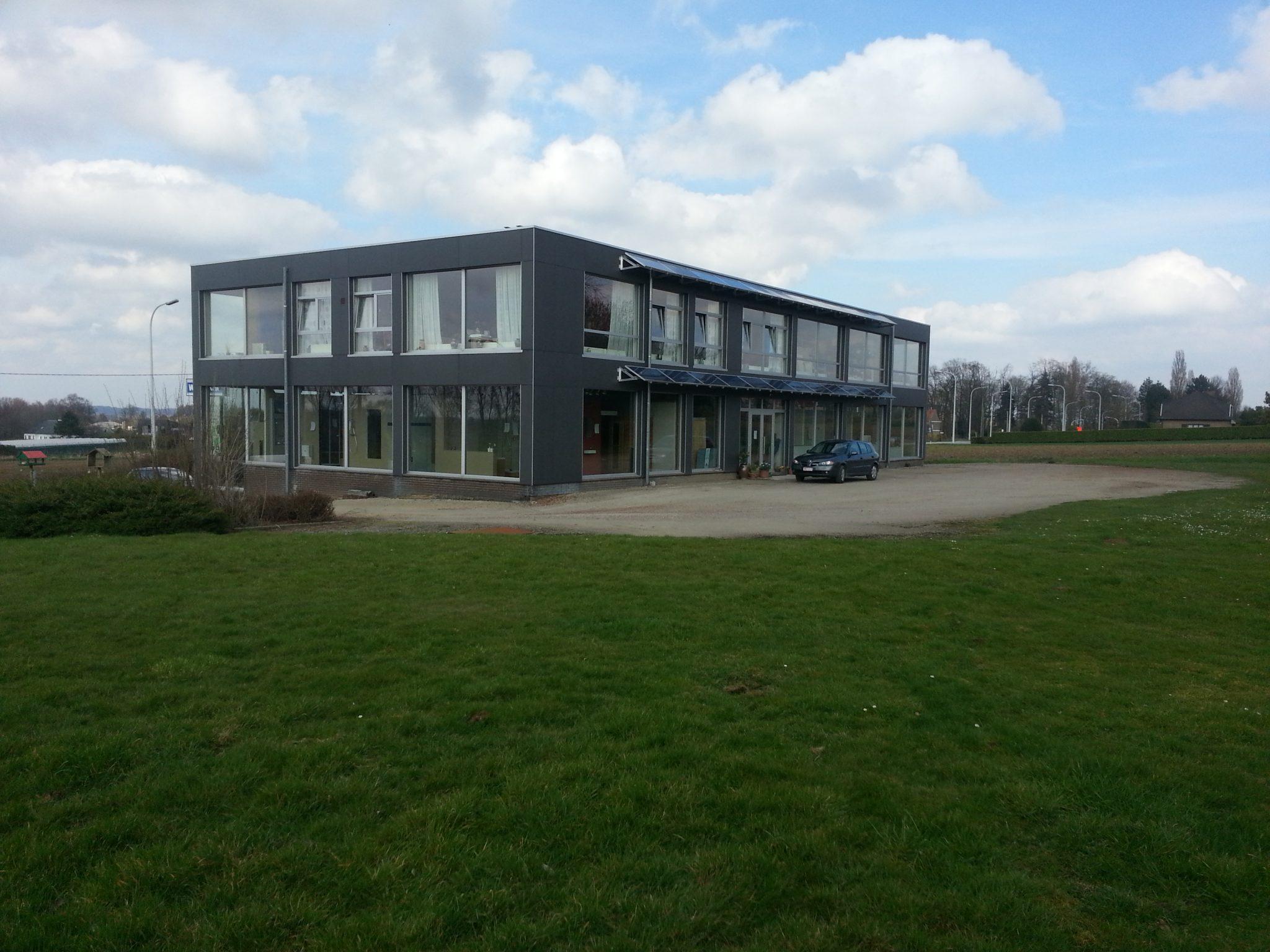 Woenst - Van Poucke